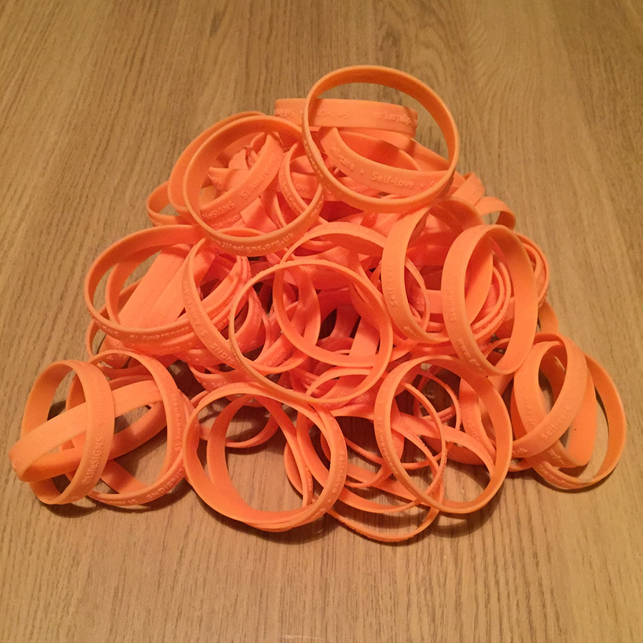 New SI awareness wristbands for 2015
